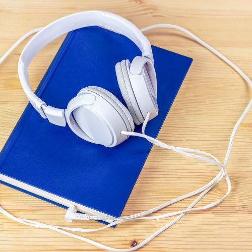 audiobook-3106985_1280